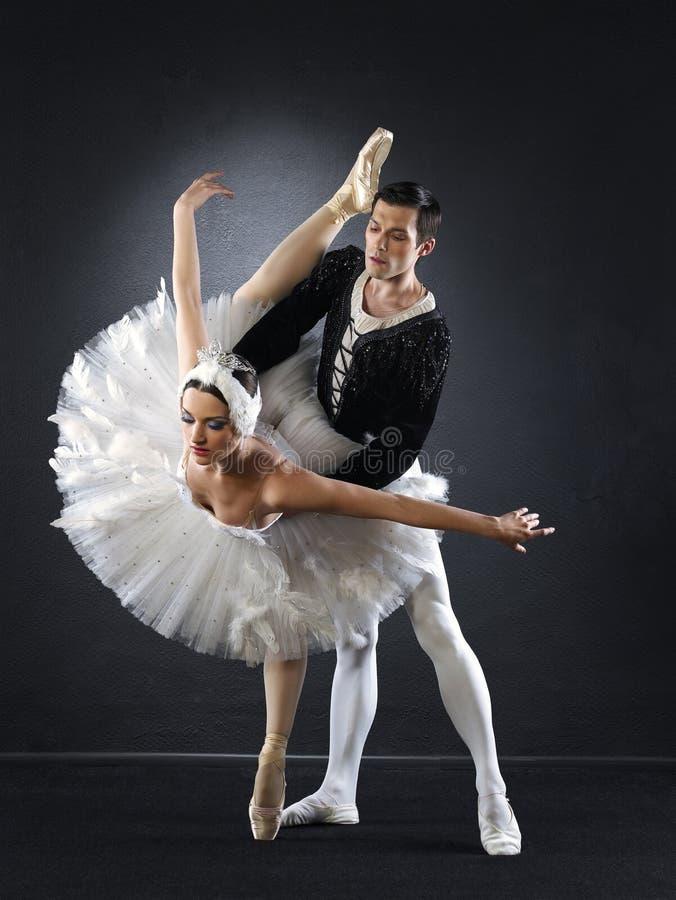 Dançarinos de bailado fotografia de stock royalty free