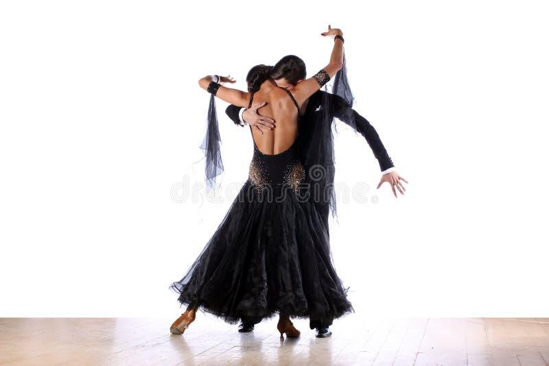 Dançarinos do Latino no salão de baile fotos de stock royalty free