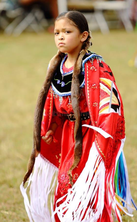 Dançarinos do prisioneiro de guerra do nativo americano uau imagens de stock