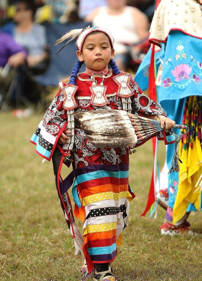 Dançarinos do prisioneiro de guerra do nativo americano uau imagem de stock royalty free