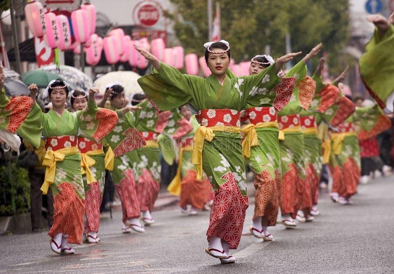 Dançarinos japoneses do festival foto de stock