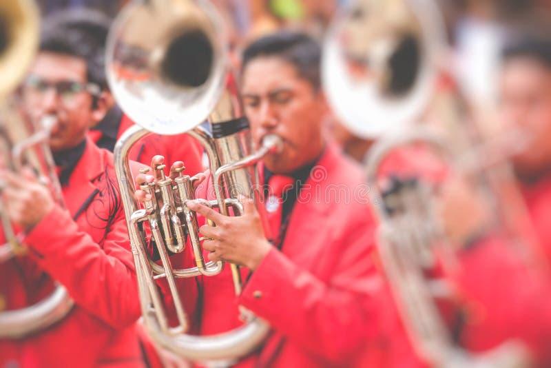 Dançarinos no carnaval de Oruro em Bolívia, UNESCO declarado W cultural fotografia de stock