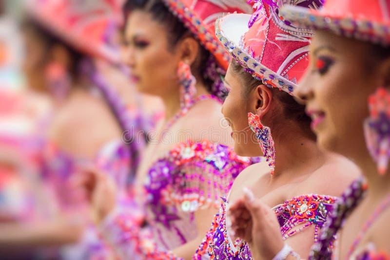 Dançarinos no carnaval de Oruro em Bolívia, UNESCO declarado W cultural fotografia de stock royalty free