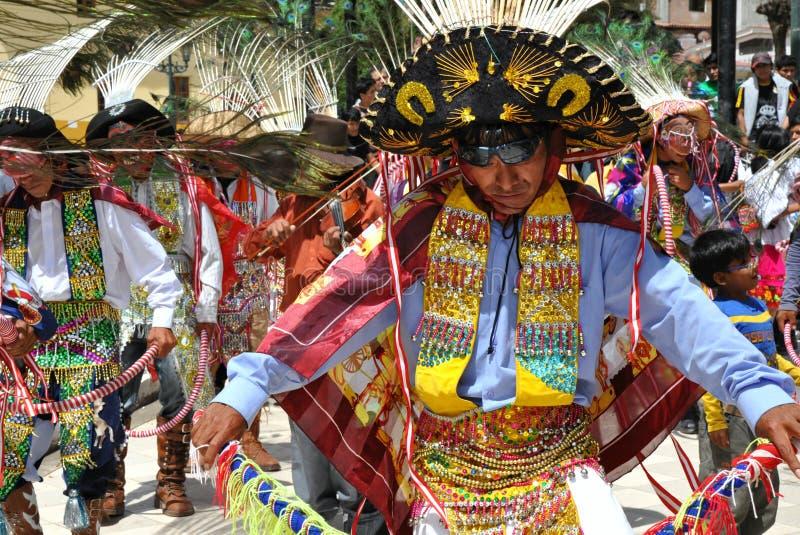 Dançarinos peruanos festivos imagem de stock royalty free