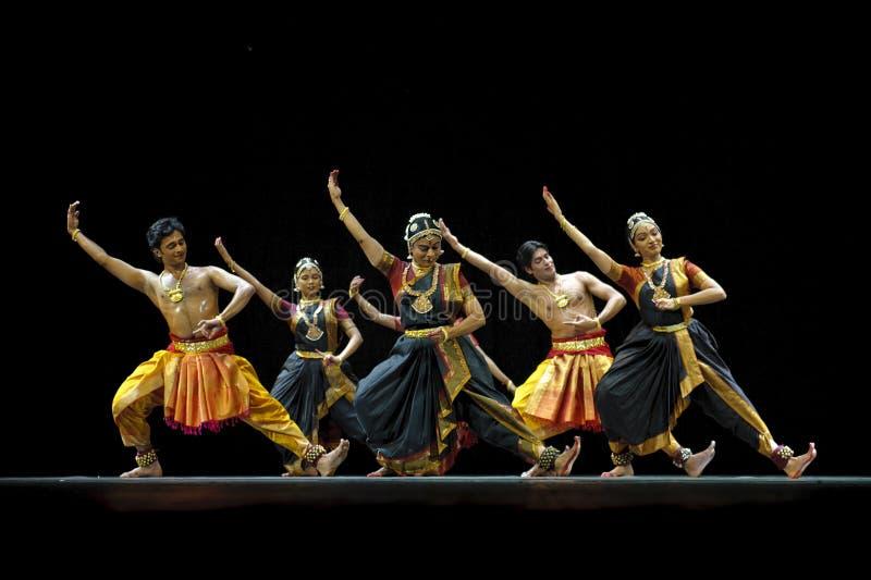 Dançarinos populares indianos fotografia de stock royalty free