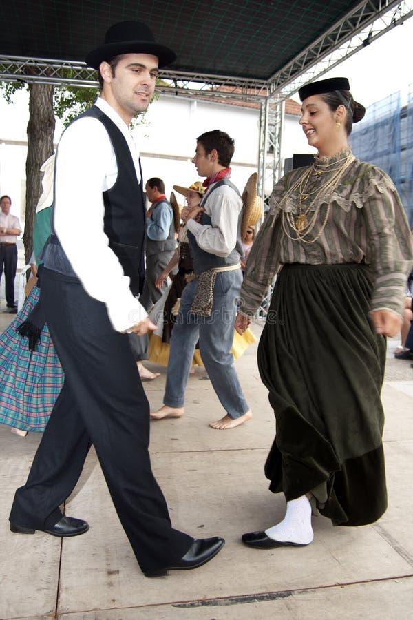 Dançarinos portugueses do folclore imagem de stock