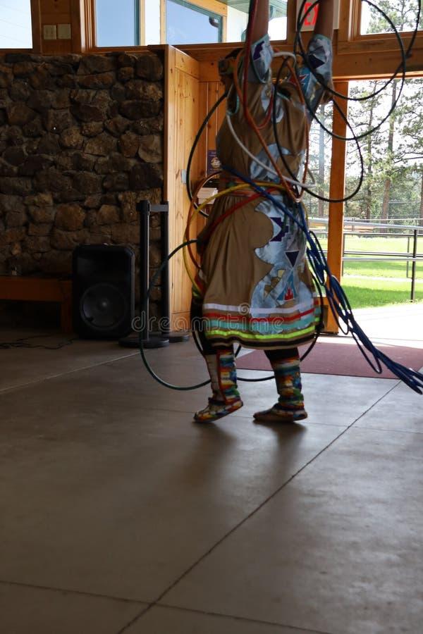 Dan?arinos do nativo americano fotos de stock