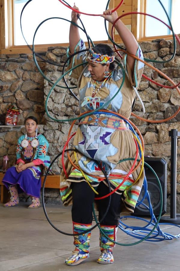 Dan?arinos do nativo americano fotos de stock royalty free
