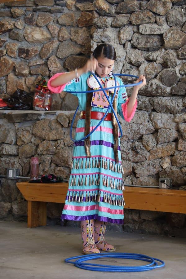 Dan?arinos do nativo americano foto de stock