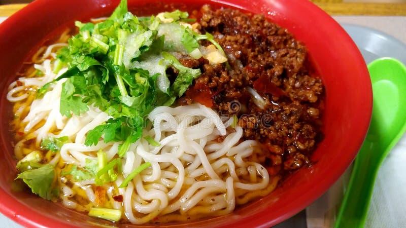 Dan Dan Noodles royaltyfri foto
