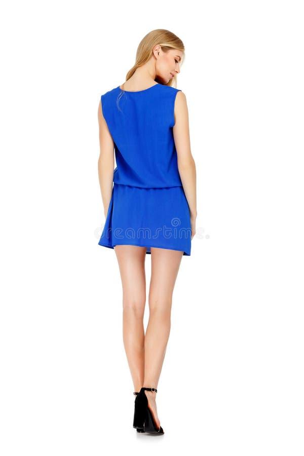 Dana fotoet av den bärande klänningen för den unga storartade kvinnan arkivbild