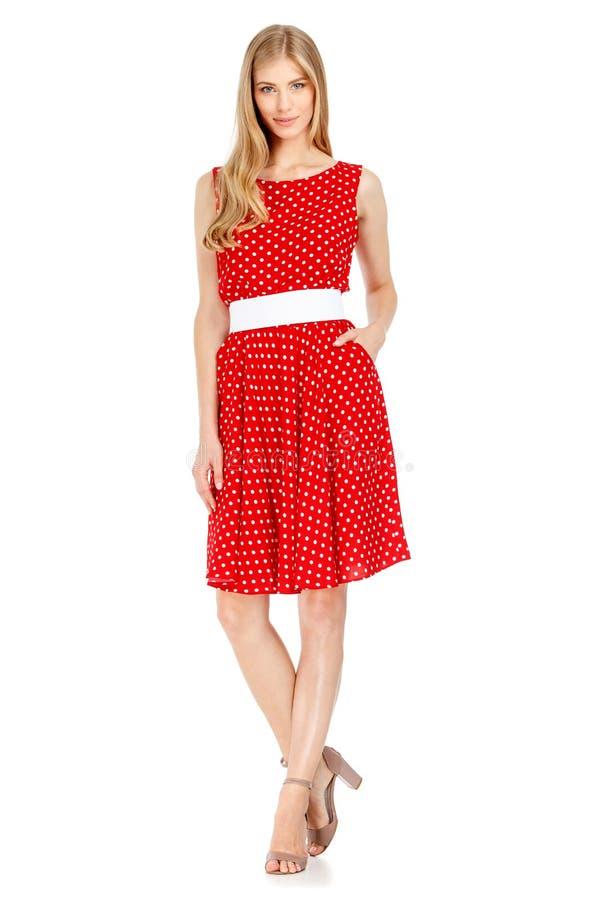 Dana fotoet av den bärande klänningen för den unga storartade kvinnan arkivfoton