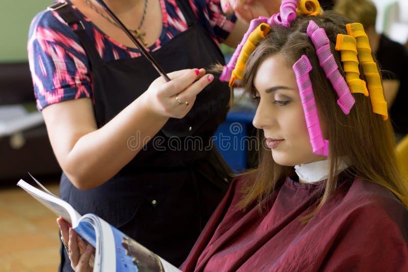 Danande för hårstil royaltyfri fotografi