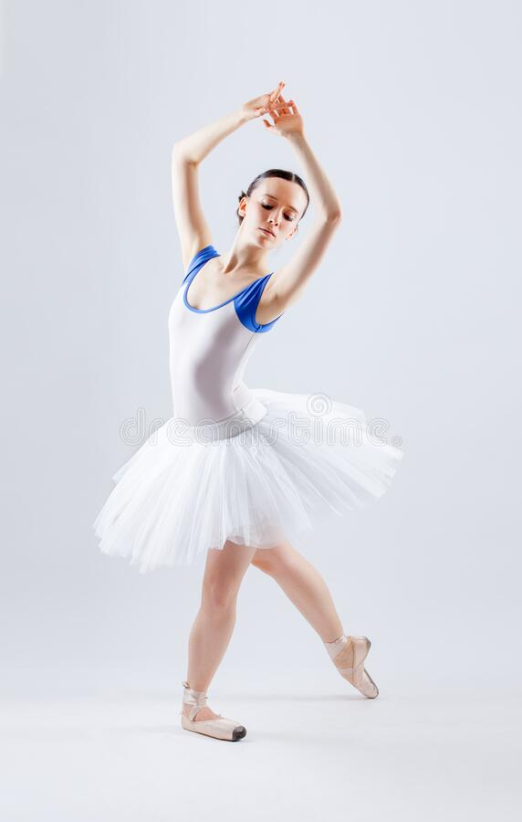 Free Dancer Women En Studio Stock Photos - 193639653