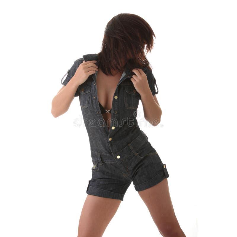 Dancing della donna sexy, bella, giovane fotografia stock