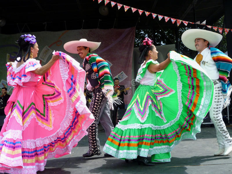 Dancing di Cinco de Mayo fotografia stock libera da diritti