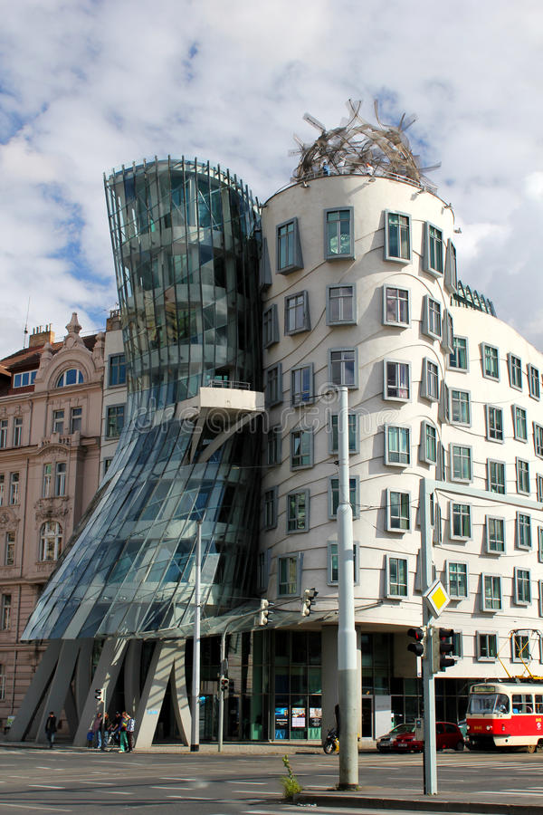 Free Dancing House, Prague Royalty Free Stock Photo - 18068285