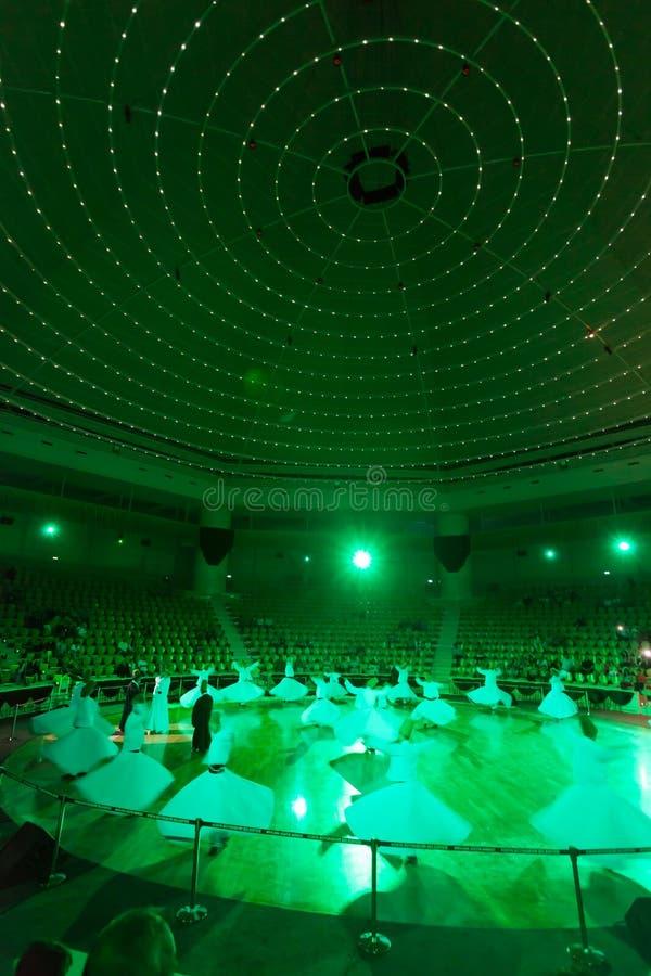 Dancingowi derwisze w Konya zdjęcia stock
