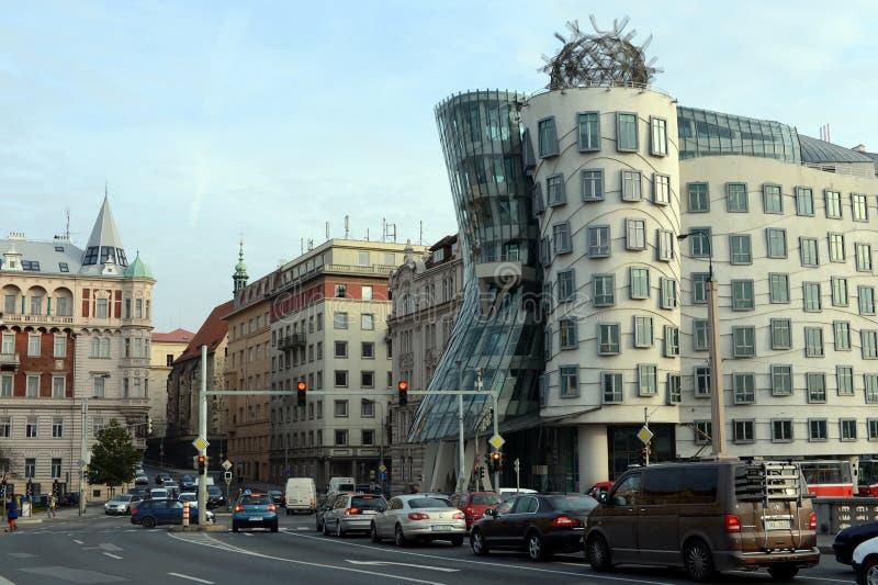Dancingowy dom w Praga w stylu deconstruction zdjęcie royalty free