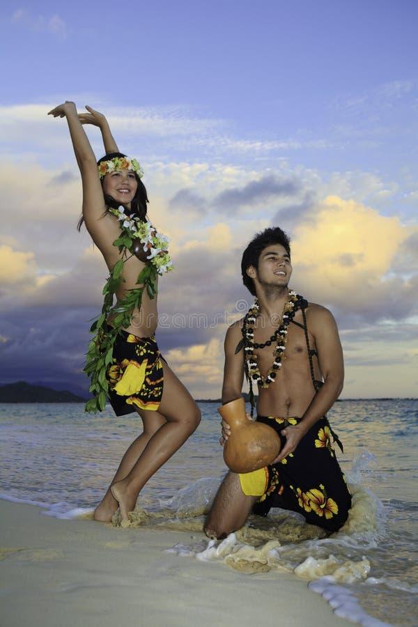 dancingowy pary hula zdjęcia royalty free