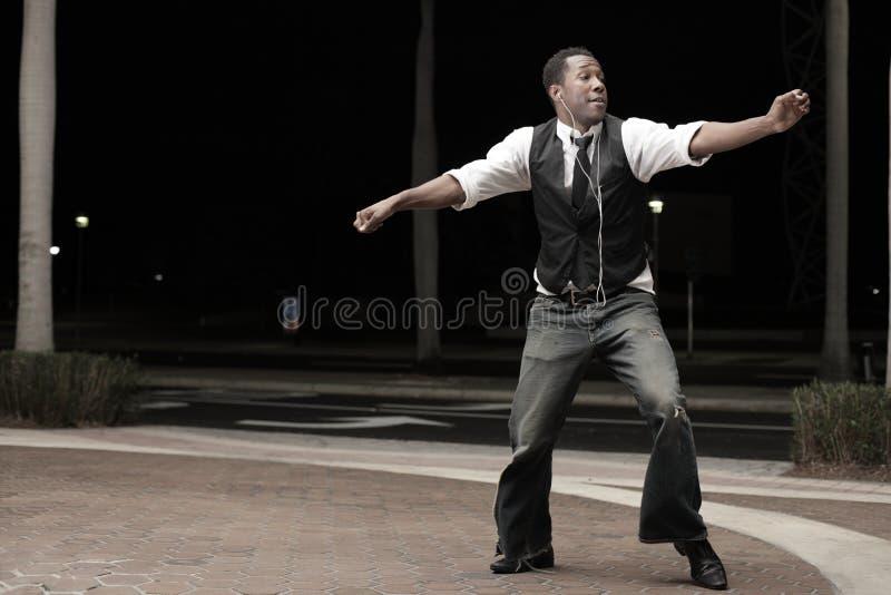 dancingowy przystojny mężczyzna obrazy stock