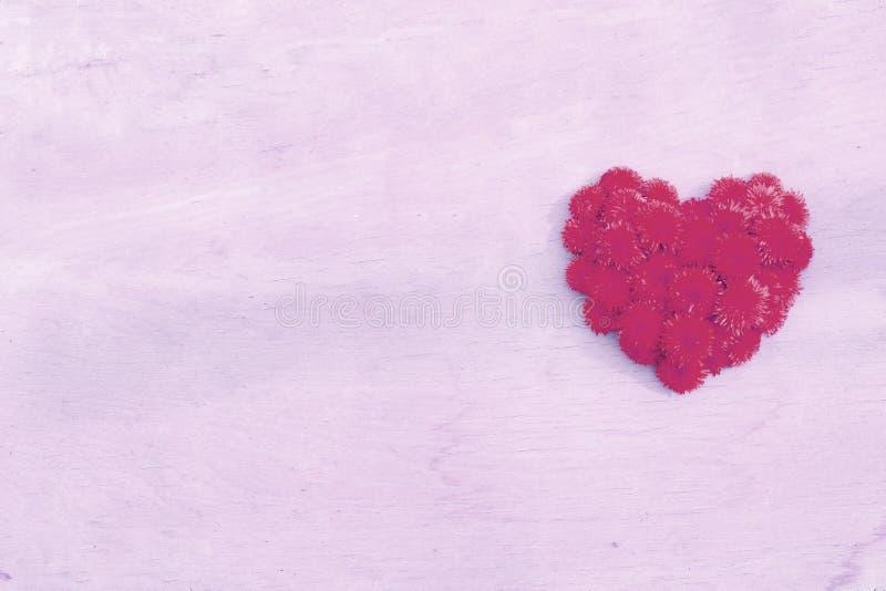 Dandelion serce na drewno powierzchni t?a copyspace fotografia stock