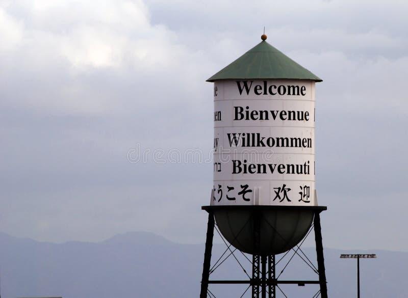 Dando boas-vindas à torre de água fotos de stock