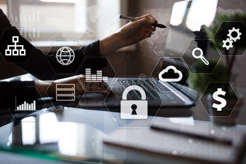 Dane ochrona, Cyber ochrona, ewidencyjny bezpieczeństwo Technologia biznesu pojęcie zdjęcia royalty free