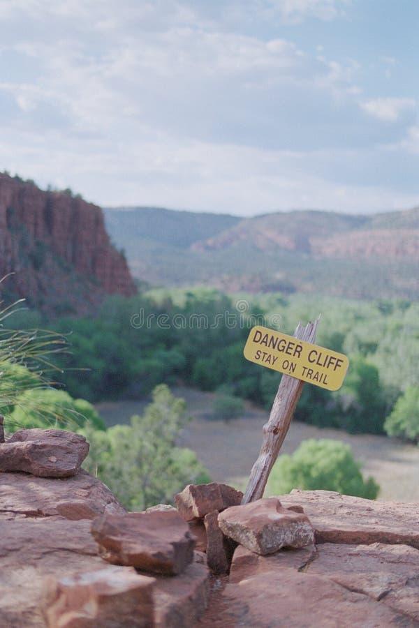 Danger Cliff Sign, parc d'état de Redrock image stock