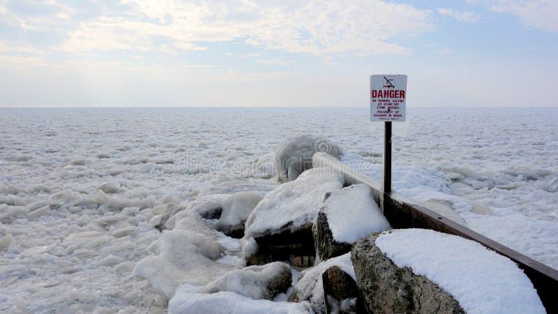 Danger gelé de la plongée image stock