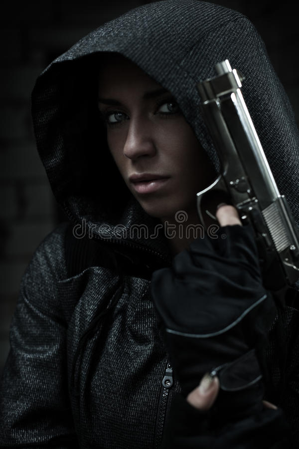 Free Danger Woman With Gun Royalty Free Stock Photography - 23010687