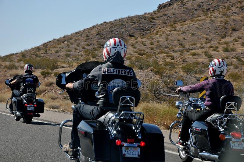 Dani di prudenza su motociclette davanti a danesmotoveicoli fotografia stock libera da diritti