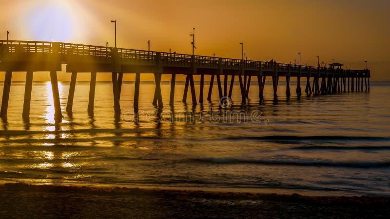 Dania Beach Pier au lever de soleil un matin d'été photo stock