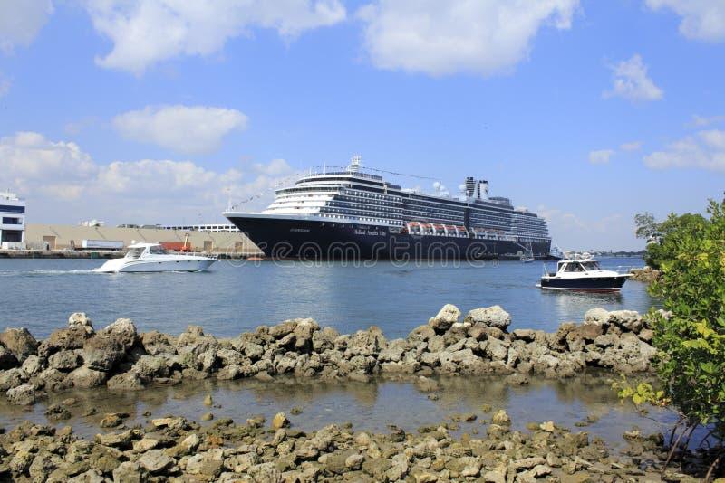 PortEvergladesfartyg och Ship arkivfoto