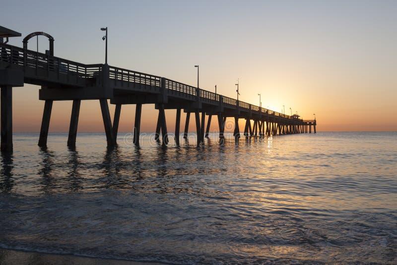 Danie plaży molo przy wschodem słońca Hollywood, Floryda obraz stock
