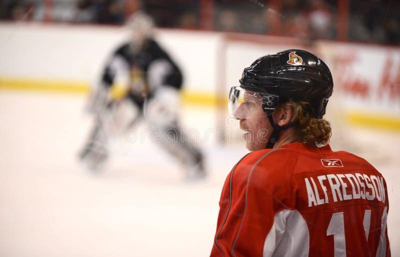 Daniel Alfredsson de los Ottawa Senators imagenes de archivo