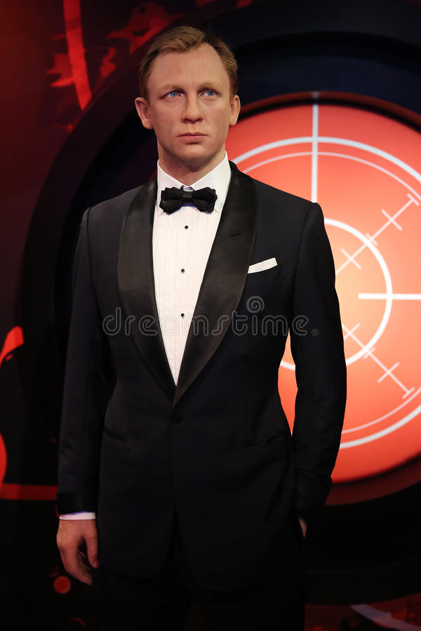 Daniel Craig como a estátua da cera de James Bond do agente 007 fotografia de stock