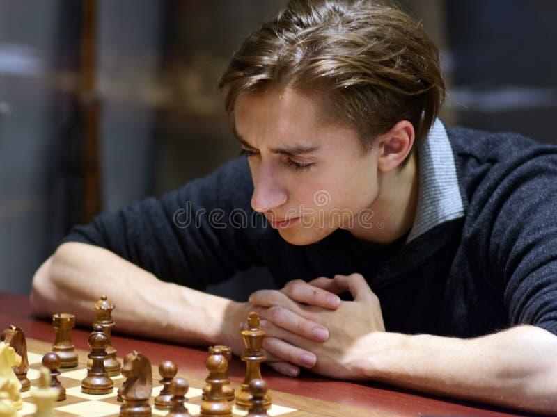 Daniil Dubov i toppen-finaler av den ryska schackmästerskapet fotografering för bildbyråer