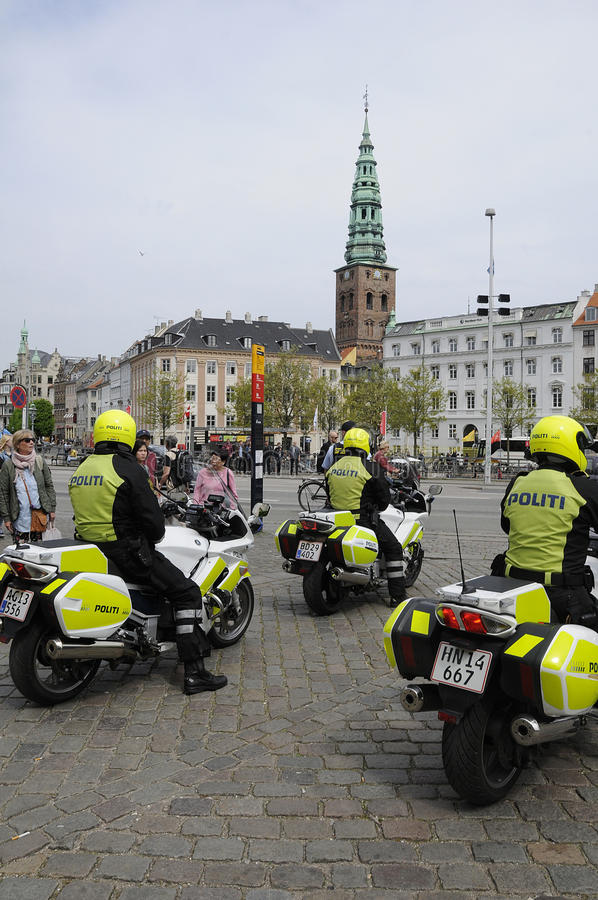 DANISH SECURITY POLICE ESCORTS PREISENT O LATVIA royalty free stock images