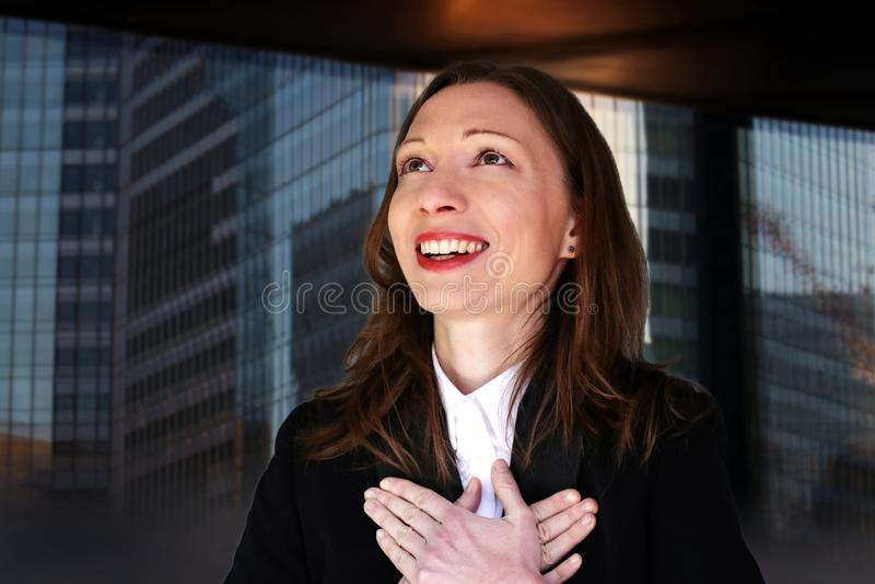 Dankbares Jobfrau des Unternehmensleiters neues voran Suche Karriereveränderung stockfotos