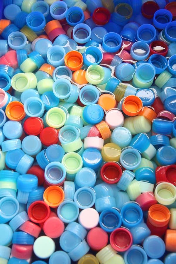 Dans beaucoup des capsules de couleurs. photographie stock