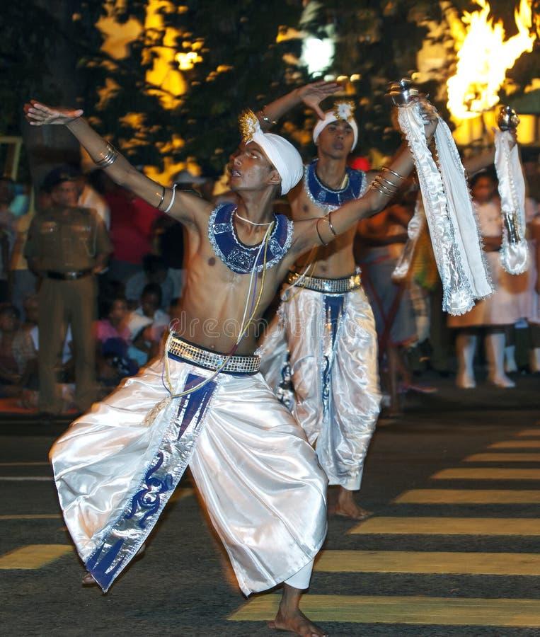 Dans de uitvoerders van van Kothala (Kothala Padhaya) in Esala Perahera in Kandy, Sri Lanka royalty-vrije stock afbeelding