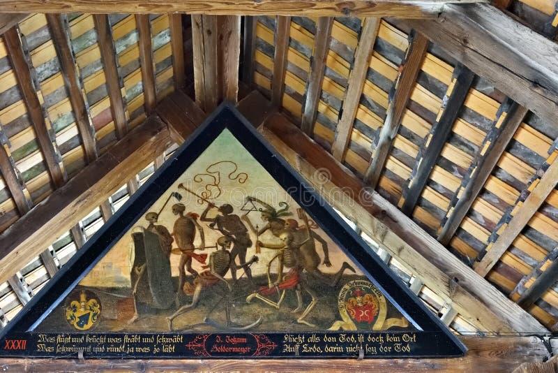 Dans för målning för Spreuer bro forntida av död, Lucerne, Switzer arkivfoton