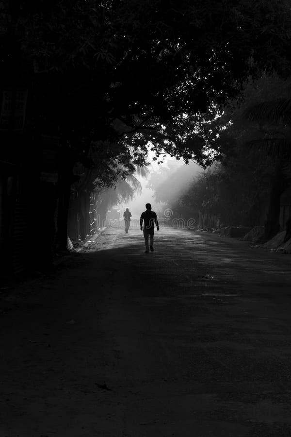 Dans la lumière et l'obscurité photo stock