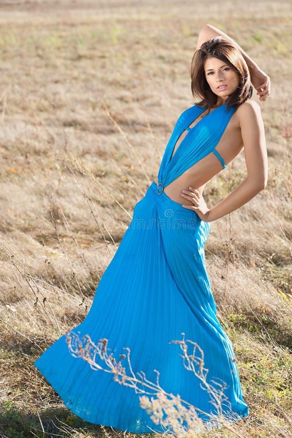 Dans la robe de turquoise photos libres de droits