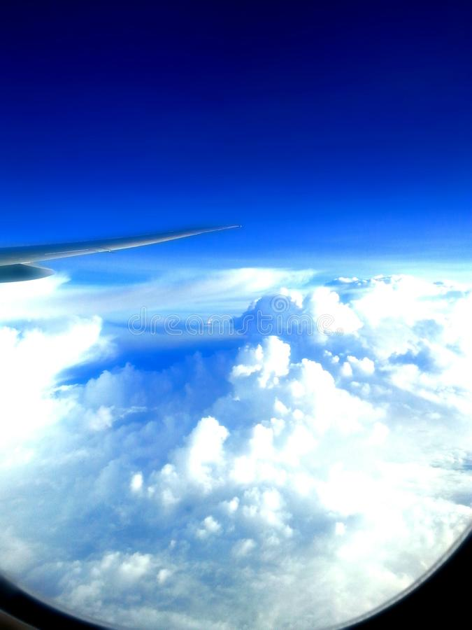 Dans le ciel image stock
