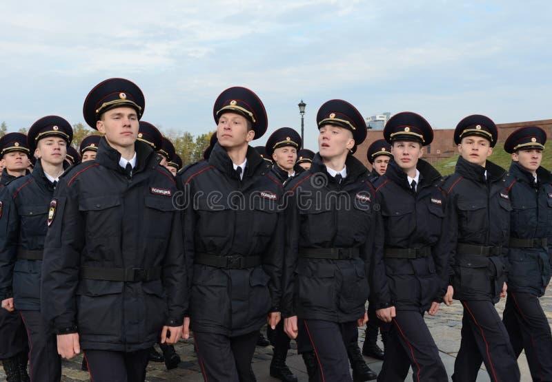 Dans le défilé des cadets de police sur la colline de Poklonnaya à Moscou photo libre de droits