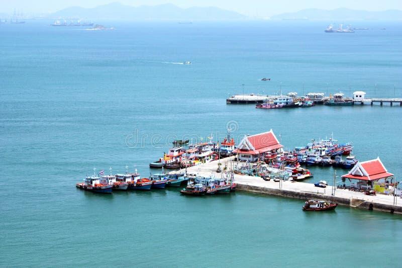 Dans le port à l'île de Srichang chez Chonburi, la Thaïlande images libres de droits