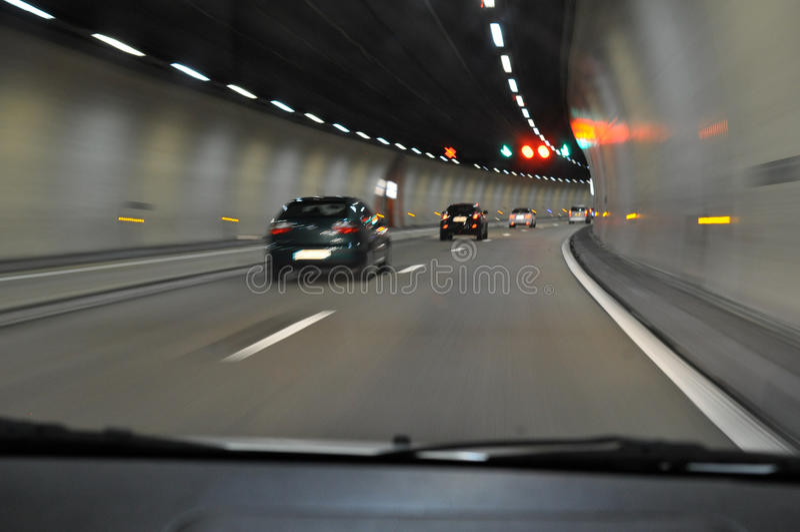 Dans le tunnel de tunnel photographie stock libre de droits