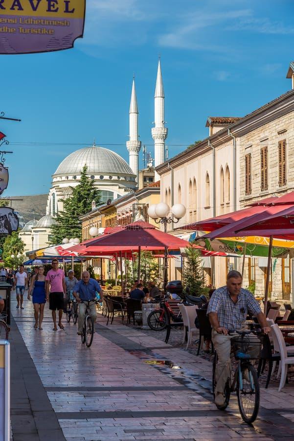Dans les rues à Shkodra photos stock